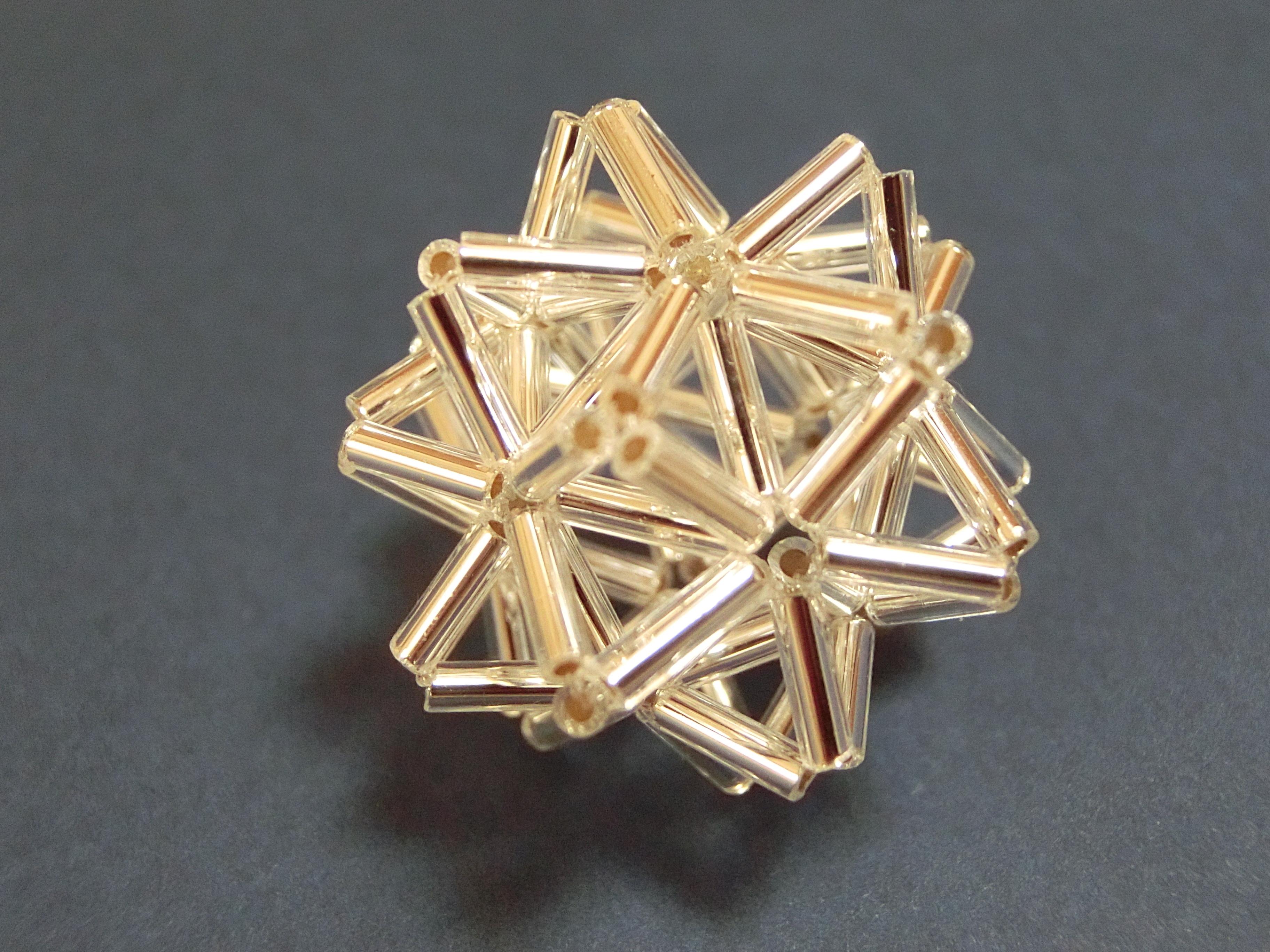 ビーズのダ・ヴィンチの星: 天空の宇宙庭園と幾何学の日々